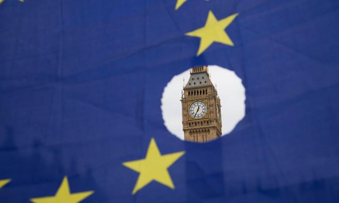 """Brüsseldən """"Brexit"""" açıqlaması - Mey təcili iclas çağırdı"""