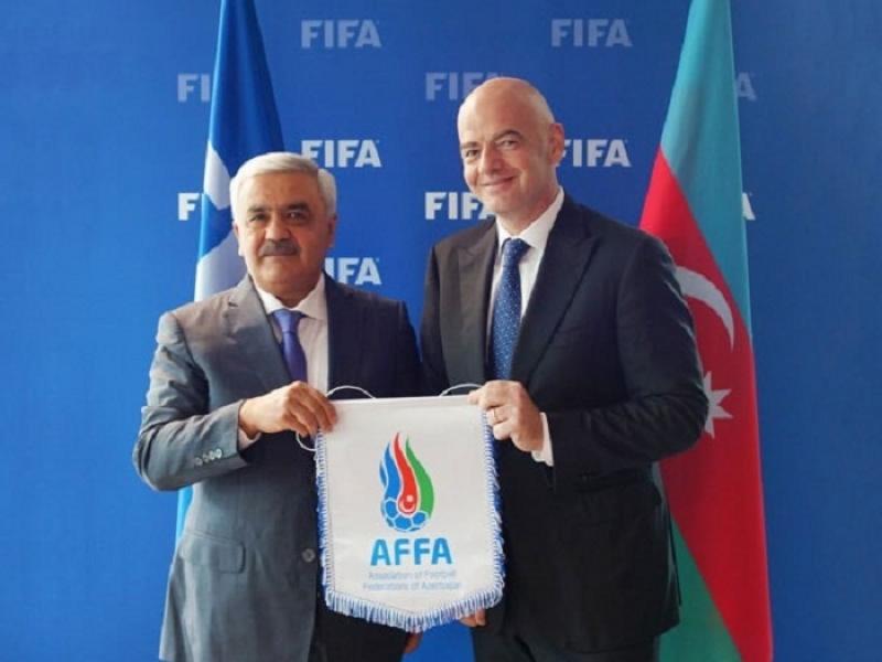 Rövnəq Abdullayev FIFA prezidenti ilə görüşüb
