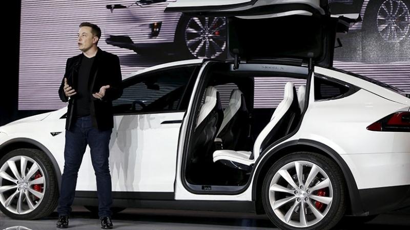 Elon Musk anuncia la inminente actualización del