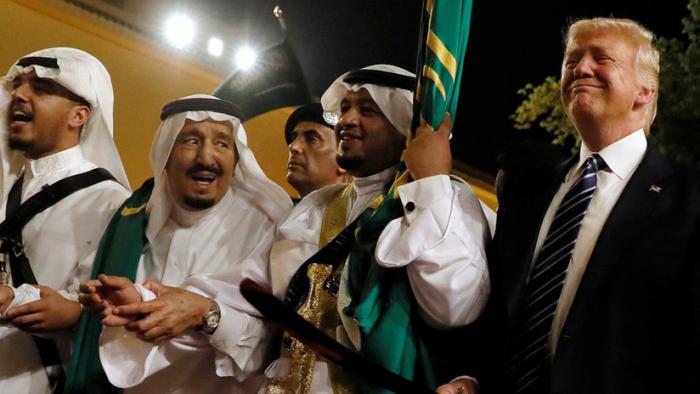Trump, bajo presión para detener la venta de armas a Riad por la desaparición de Khashoggi