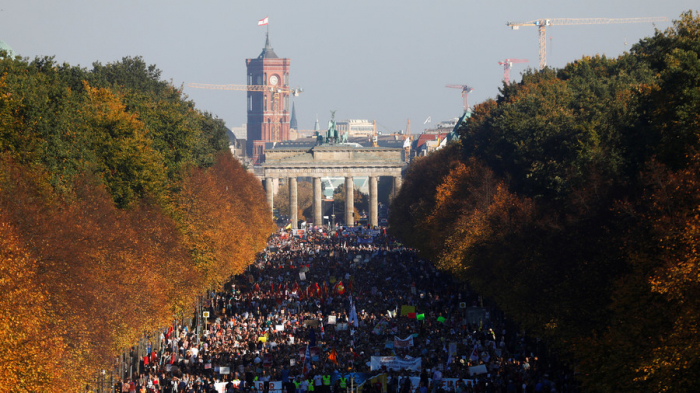 Massive protest against right-wing surge hits Berlin