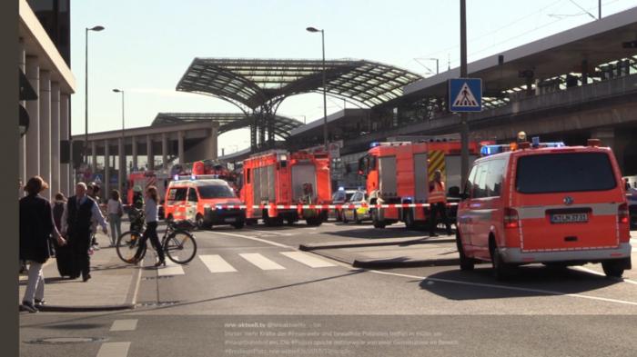 Polizei sperrt Kölner Hauptbahnhof ab