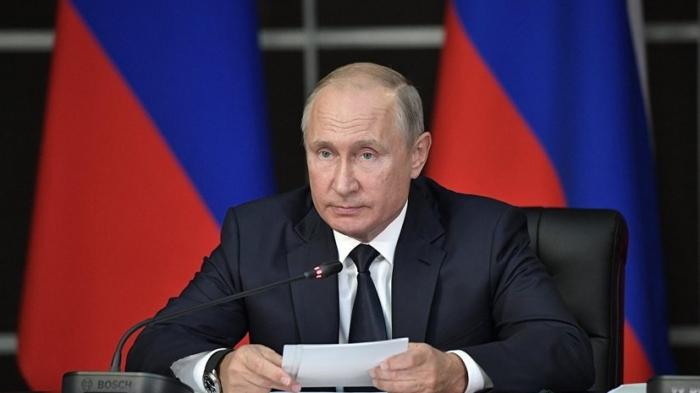 Putin Ukraynaya sanksiya tətbiq etdi