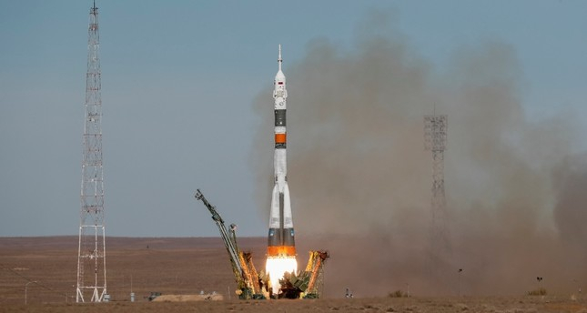 Soyuz rocket carrying US, Russian astronauts to ISS malfunctions during launch