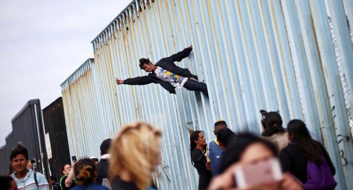 المكسيك تطلب مساعدة الأمم المتحدة لحل قضية المهاجرين