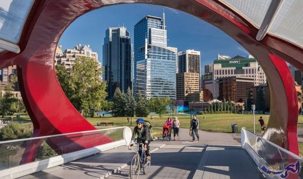 """""""جسر السلام """"أشهر طرق المشاة وركوب الدراجات في كندا"""
