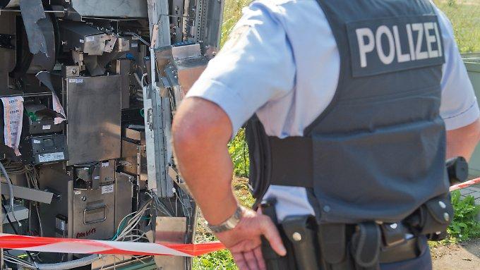 Mann stirbt bei Explosion von Ticketautomat