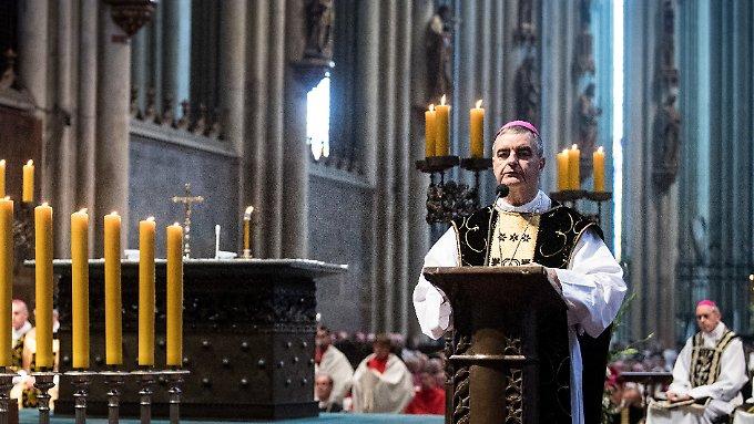 Vatikan will über Ehe für Priester reden