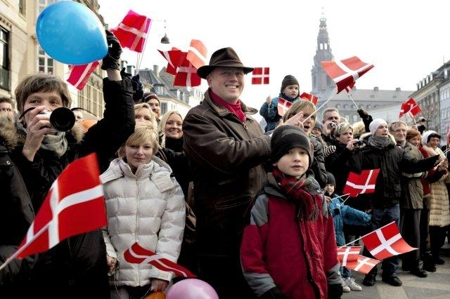 Denmark to build new island near Copenhagen