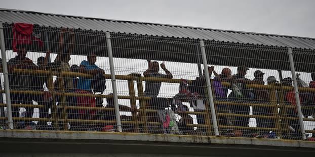 Le Mexique ouvre sa frontière avec le Guatemala à des femmes et des enfants migrants du Honduras