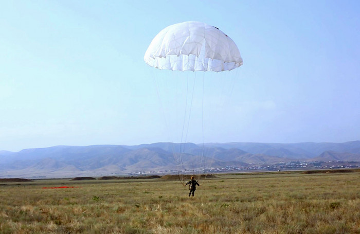 Units conduct parachute training - VIDEO