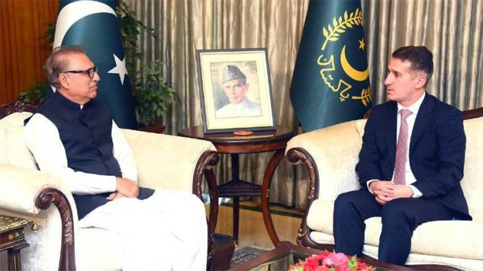 """""""Siempre seguiremos sustentando a Azerbaiyán""""-el presidente paquistaní"""