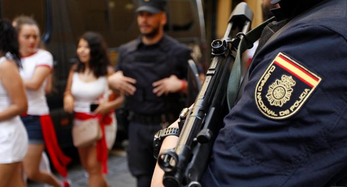 Un intento de fuga de un centro de migrantes en Madrid termina con 10 policías heridos