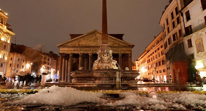 Lluvias y granizo azotan la capital italiana