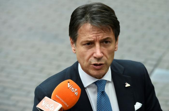 Italia mantiene su presupuesto pero promete a la UE contener la deuda