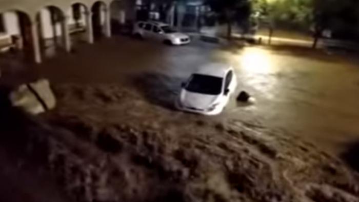 VIDEOS: Cinco muertos y varios desaparecidos al desbordarse un torrente en la isla de Mallorca-Sin Comentarios