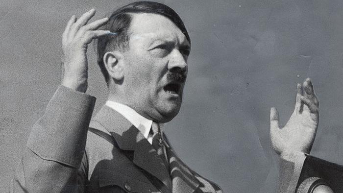 """""""Sadomasoquista homosexual"""": Qué busca el informe de inteligencia de EE.UU. sobre Hitler"""
