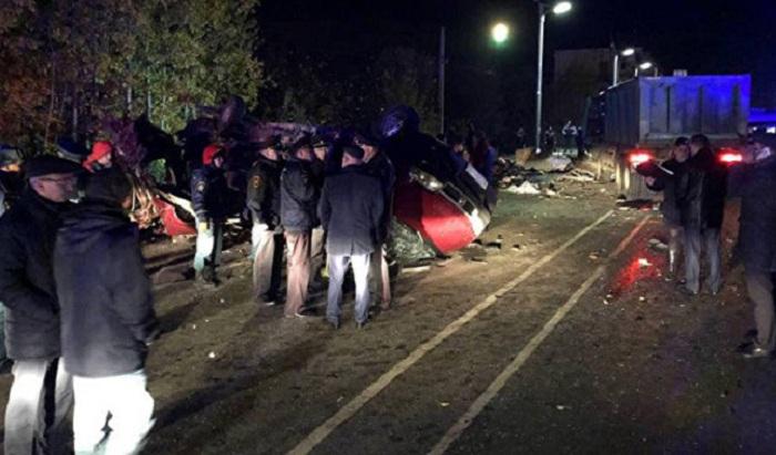 Rusiyada ağır yol qəzası - 12 nəfər ölüb (VİDEO)