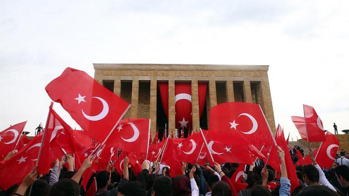 Türkiyədə Cümhuriyyət bayramı qeyd edilir