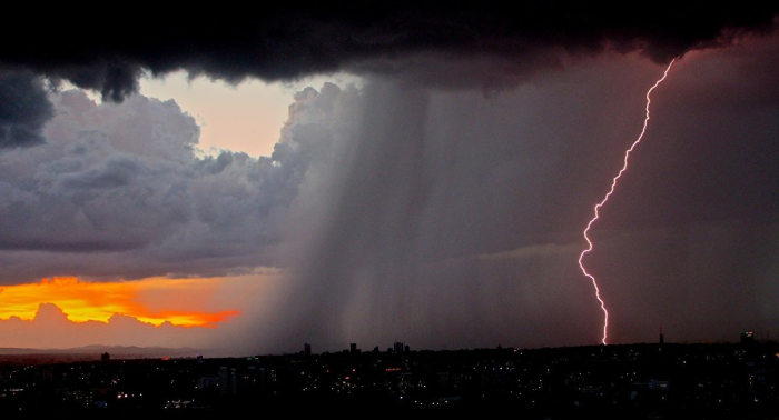 Meteorólogos alertan del riesgo de tormentas en norte de España y sur de Francia