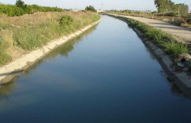 19 yaşlı qız özünü su kanalına ataraq intihar edib