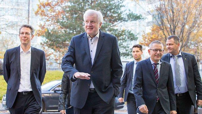 Horst Seehofer kündigt Rücktritt an