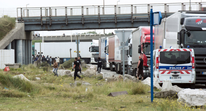 Police discover 21 migrants huddled in refrigerated lorry in Sussex
