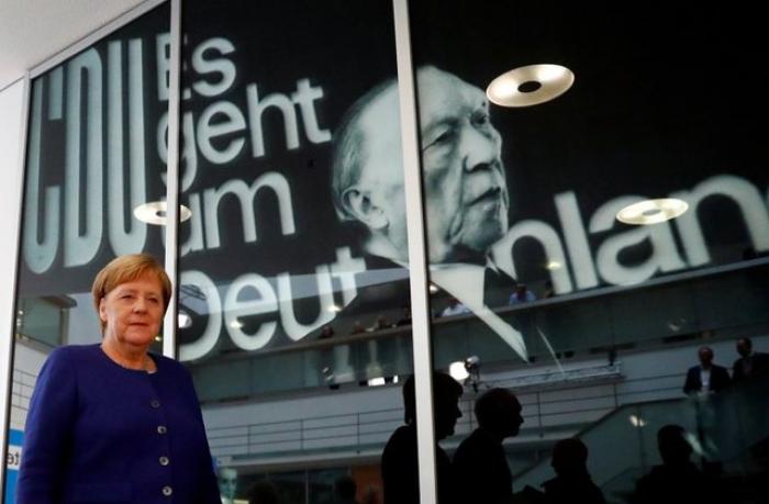 Merkel hökumət koalisiyasını davam etdirmək istəyir