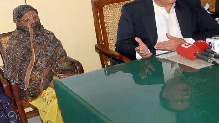 باكستان تنفي مغادرة آسيا بيبي البلاد
