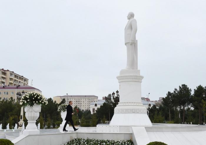 Präsident Ilham Aliyev zu Besuch in Sumgayit