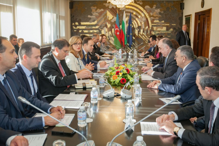 Azerbaijani FM meets with Bulgarian counterpart