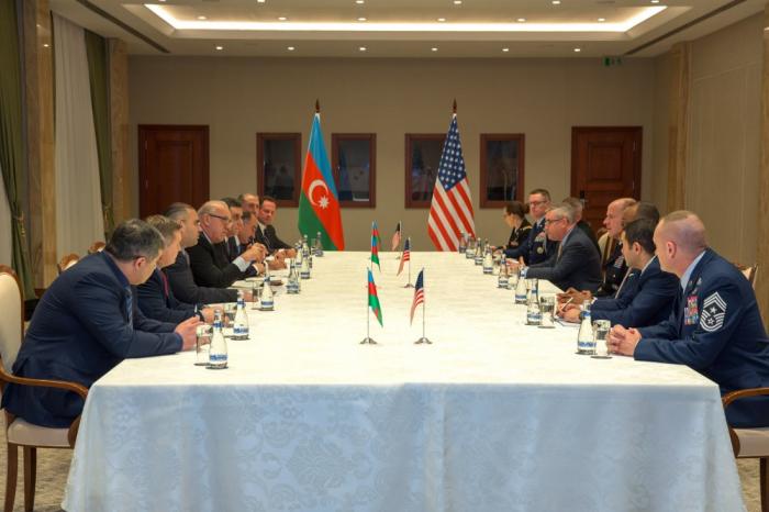 ABŞ generalı Cahangir Əsgərovla danışıqlar aparıb