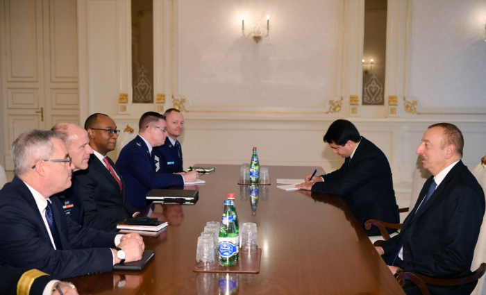 President Ilham Aliyev receives delegation led by commander of U.S. Transportation Command