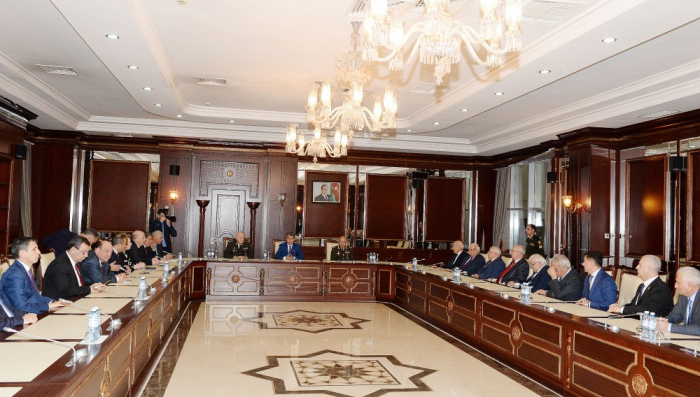Milli Məclisin 24 deputatı təltif olundu