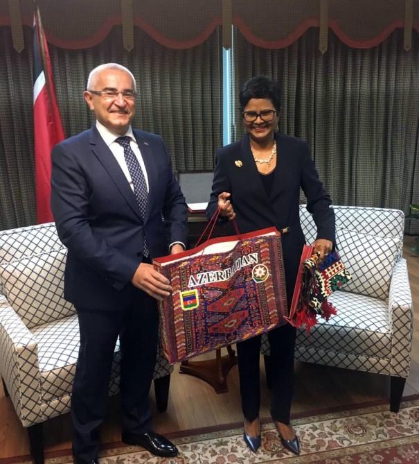 Aserbaidschan und Trinidad und Tobago pflegen gute Kooperationsbeziehungen