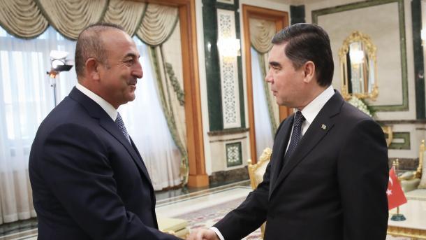 Kontakte von Cavusoglu in Turkmenistan