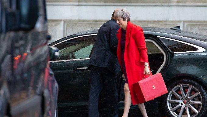 May muss Minister hinter Brexit-Deal bringen