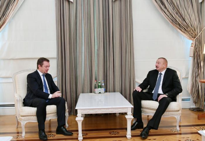 Leprésident Aliyev reçoit le président du Comité International Paralympique