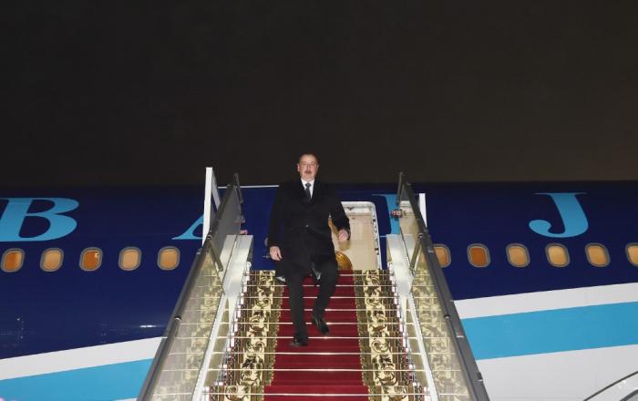 Prezident İlham Əliyev Belarusa rəsmi səfərə gedib