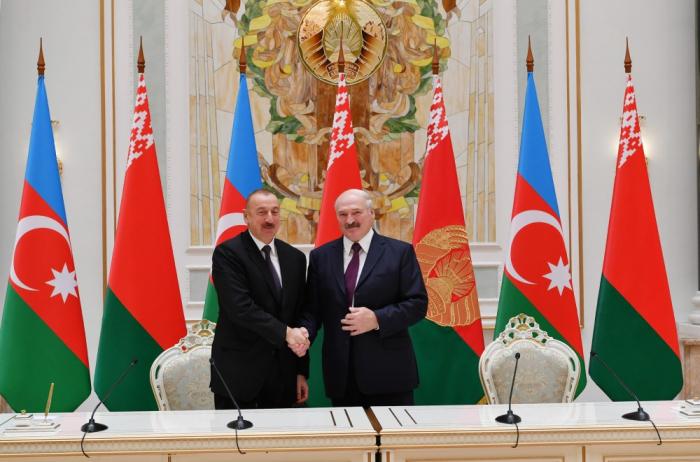 Líderes de Azerbaiyán y Bielorrusia emiten declaración conjunta