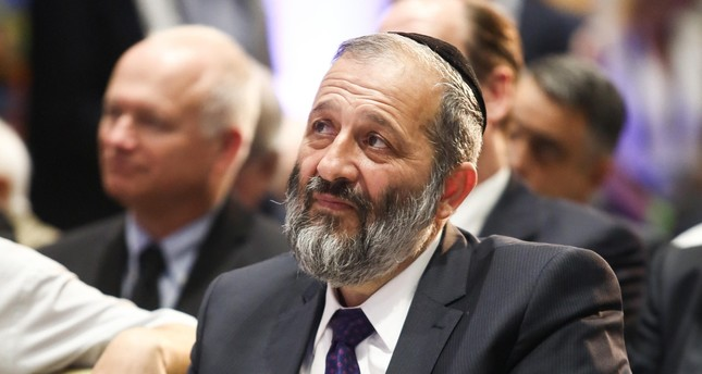 Israeli police say Interior Minister Deri should be charged for fraud
