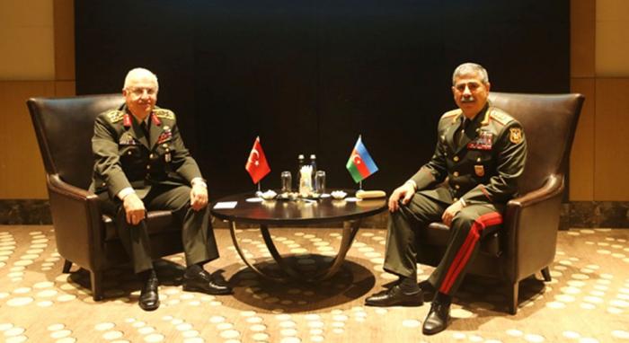 Azerbaijani defense minister meets chief of Turkish General Staff