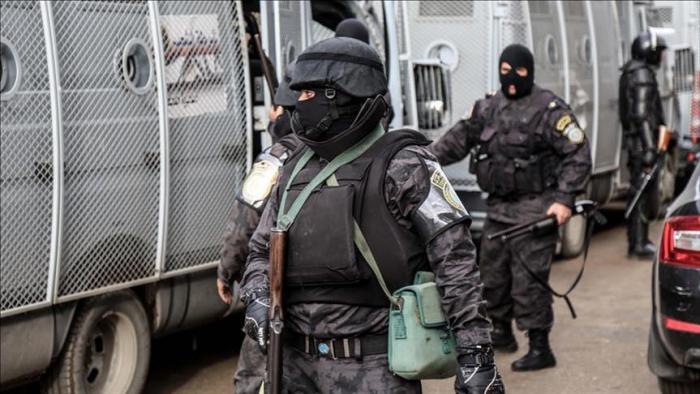 Egypt police kill 12