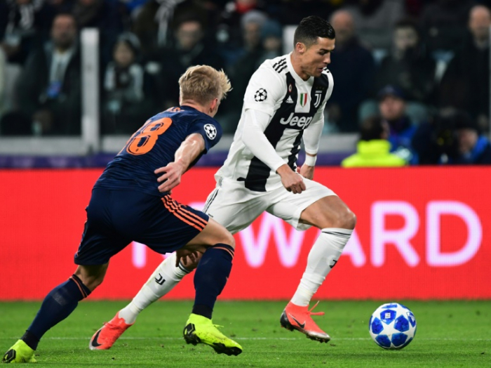 Ronaldo hits 100 Champions League wins as Juventus soar into last 16