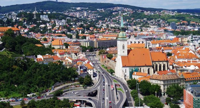Primer ministro de Eslovaquia teme ola de refugiados de Ucrania