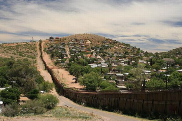 How the border between the United States and Mexico was established -iWONDER