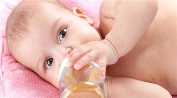 لا تقدمي لرضيعك شاي البابونج واليانسون قبل هذا العمر