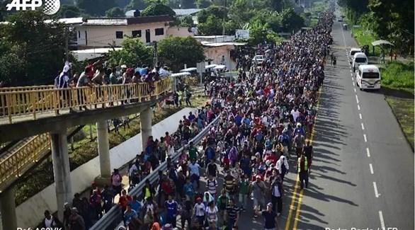 المهاجرون من أمريكا الوسطى يستأنفون رحلتهم إلى الولايات المتحدة