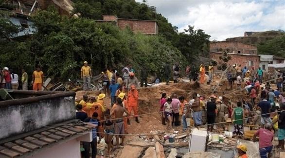 مقتل 10 في البرازيل بانهيار أرضي