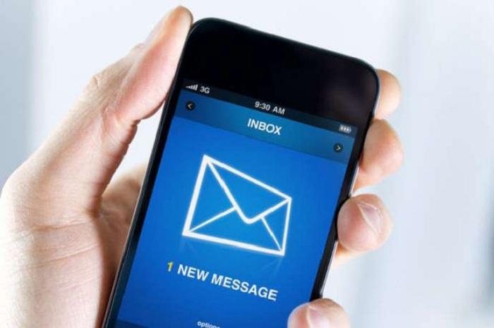 Yenilik: Pensiyaya çıxanlara SMS-lə məlumat veriləcək